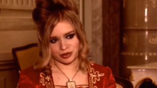 A TV2 műsorvezetőjének adná ártatlanságát a 28 éves szűz színésznő, Bálint Emese
