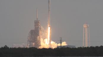 Óriási lyukat ütött a SpaceX az ionoszférába