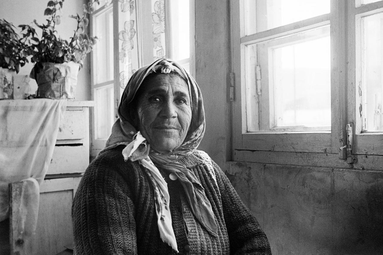 Egy idős nő az Örmény Szovjet Szocialista Köztársaságban 1976-ban