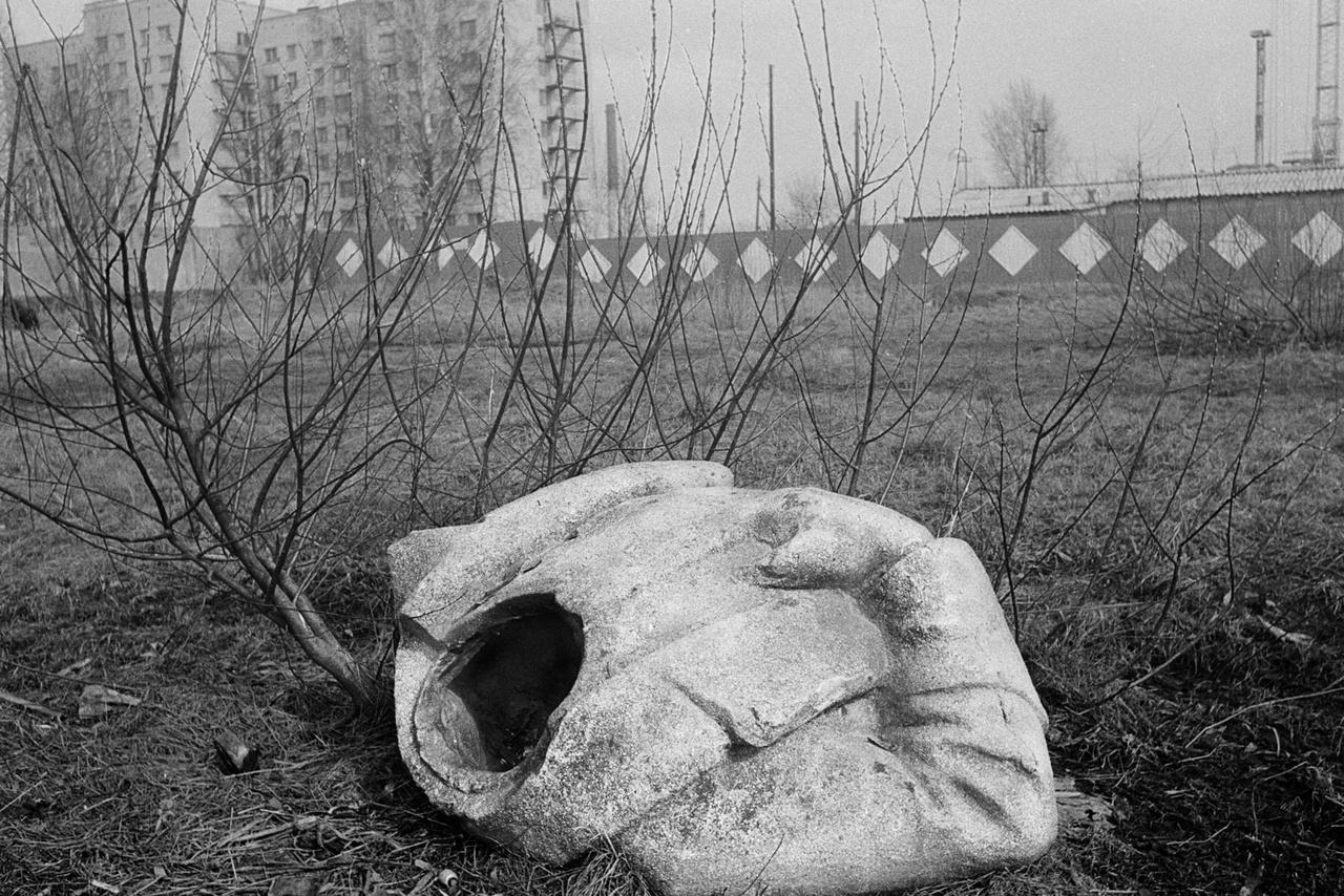 Egy elpusztított Sztálin-szobor Leningrádban, 1976-ban