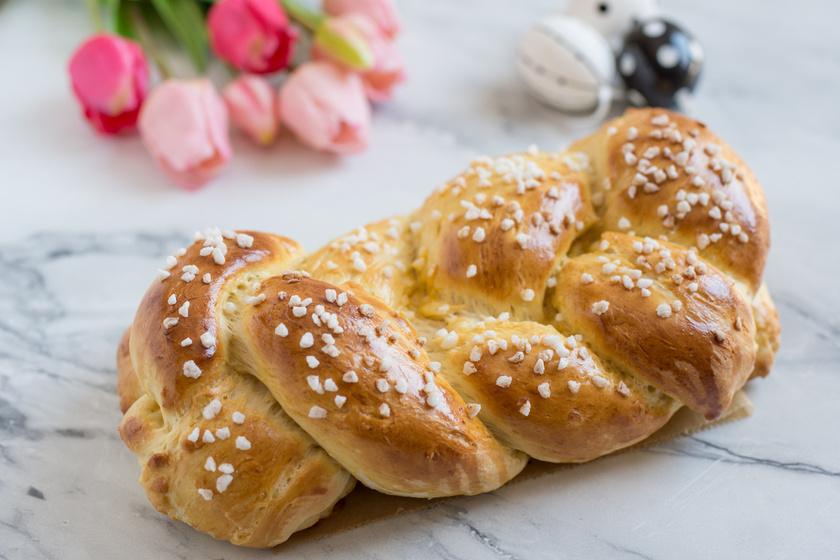 Hagyományos fonott húsvéti kalács receptje: így lesz tökéletes a tészta