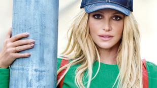 Britney Spearsről leretusáltak 15 évet és Jessica Simpsont csináltak belőle