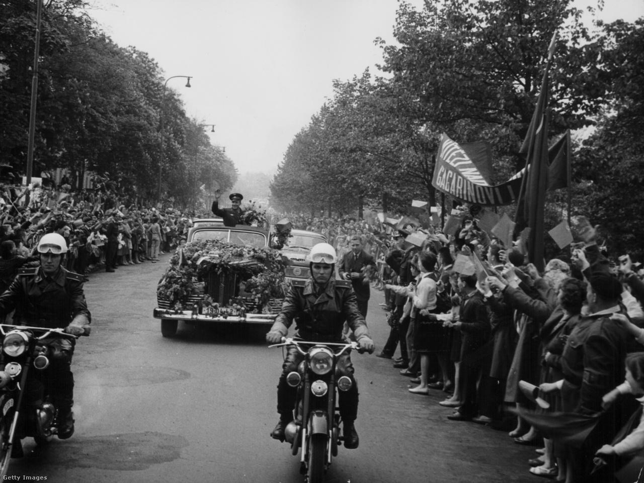 Gagarin ünnepélyes fogadása Prágában, 1961. május 1-jén.