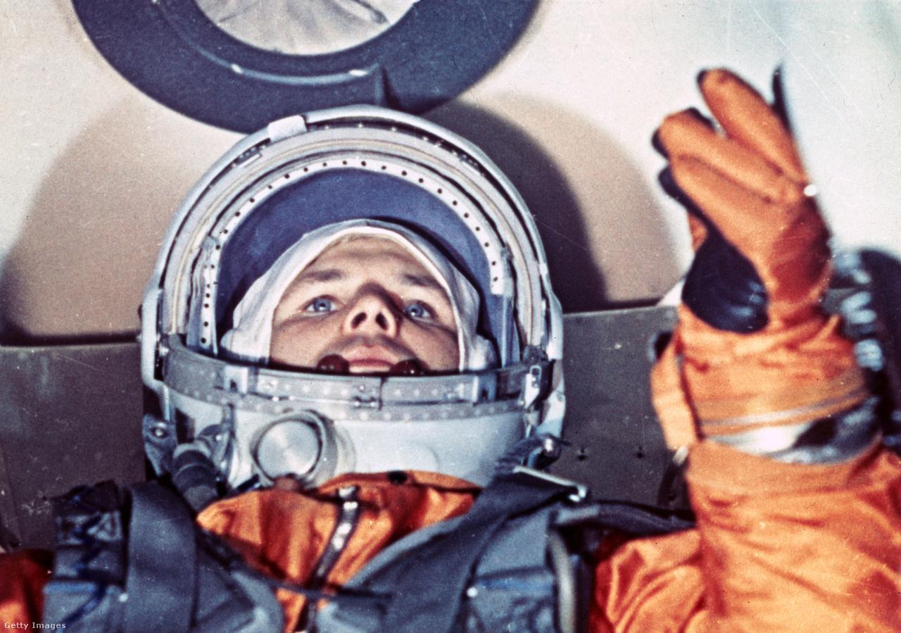 Gagarin a Vosztok-1 kapszulájában.