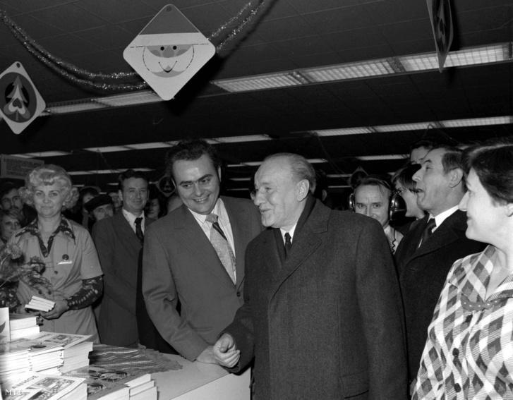Demján Sándor és Kádár János a Skála Áruházban 1976. december 23-án