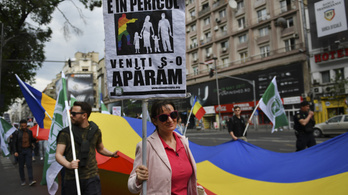Népszavazást tartanak Romániában az azonos neműek házassága ellen