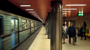 Április végétől eltűnnek a régi metrókocsik