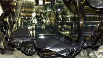 Motorhibás használt Mazda, márkakereskedésből