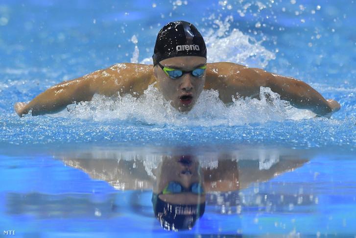 A későbbi győztes Milák Kristóf a 200 méteres pillangóúszás döntőjében az úszók országos bajnokságán a Debreceni Sportuszodában 2018. március 28-án.