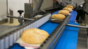 Kulisszatitkok: így néz ki a Spar szendvicsgyára belülről