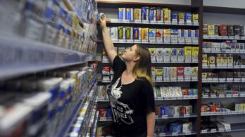 316 forinttal kéne emelnie a kormánynak egy doboz cigi árát az EU-s szabály szerint