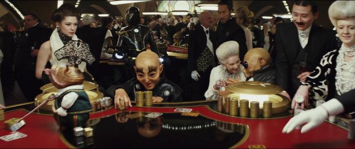 Nemes Zoé a kép bal szélén Az utolsó Jedikben.