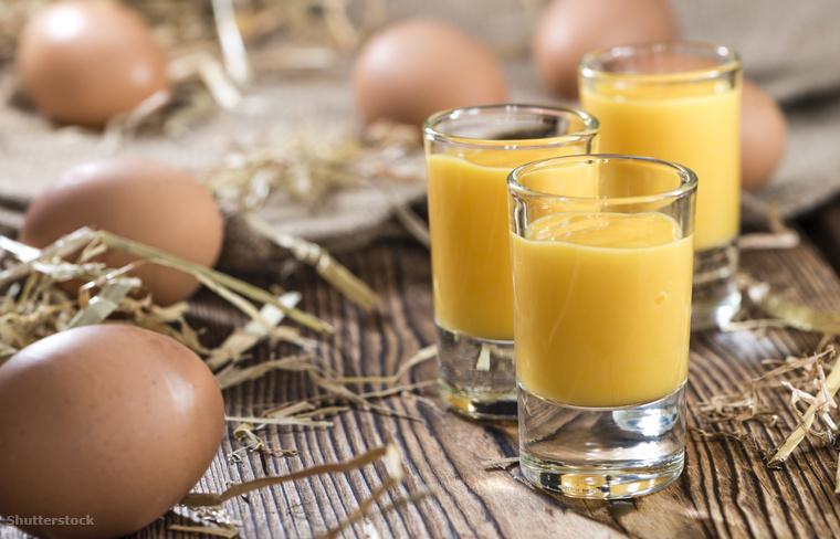 A hollandok advocaat nevű alkoholos itala nagyon hasonlít a tojáslikőrre, tojásból, cukorból és brandy-ből készül