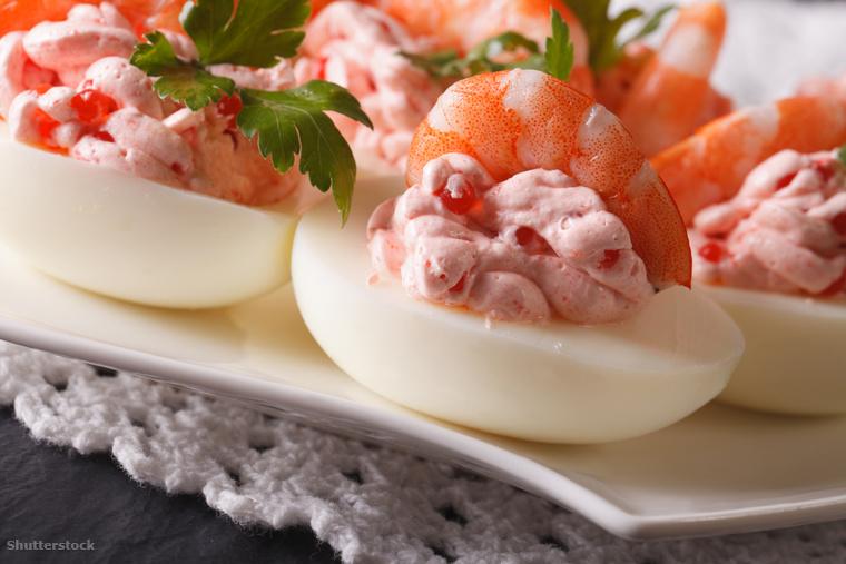 A garnélarákkal tölött főtt tojás a svédek húsvéti asztalának elegedhetetlen szereplője