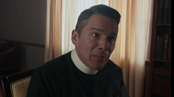 Ethan Hawke-ból ökoterrorista pap lett