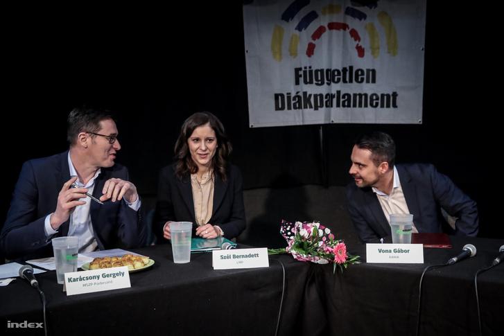 Karácsony Gergely, Szél Bernadett és Vona Gábor a Független Diákparlament által kezdeményezett miniszterelnök-jelölti vitán március 12-én