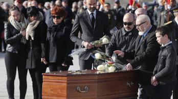 Terrorizmust támogató hozzászólásért ítéltek el egy francia vegán aktivistát