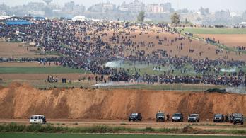 16 palesztin tüntetőt öltek meg az izraeli katonák, ezernél is több a sérült