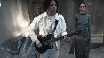 Még mindig jól áll Jack White kezében a gitár