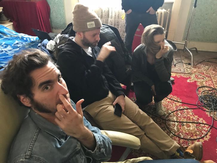 Balról jobbra: Horváth Viktor rendező, Rév Marcell operatőr, és Tasnádi Zsófi látványtervező