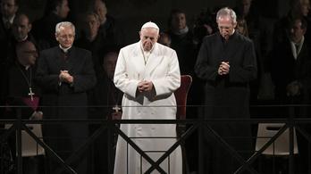 Menekülteket ajánl a figyelmünkbe a pápa nagypénteken