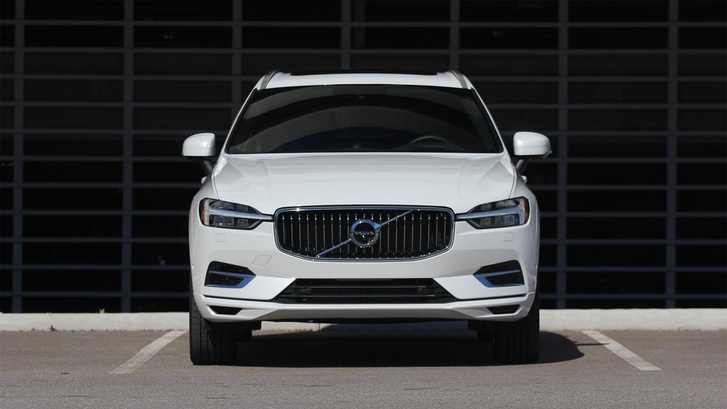 2018-volvo-xc60-t8-e-awd-review