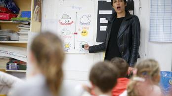 Minden ötödik brit tanárnőt ért már szexuális zaklatás valamilyen formában