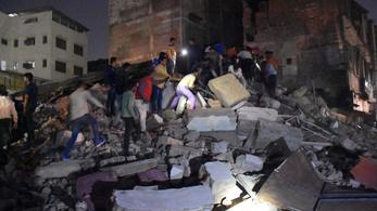 10 ember meghalt, rájuk dőlt egy hotel Indiában