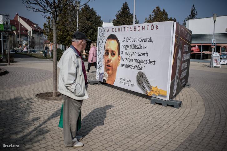 """A Fidelitas """"plakátkiállítása"""" Dunakeszin"""