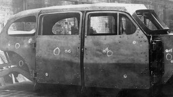 Így tesztelték a golyóálló szovjet luxusautót