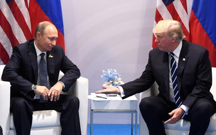 Vlagyimir Putyin és Donald Trump 2017 júliusában Hamburgban