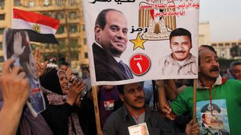 Egyiptom választott, nem is akárhogy