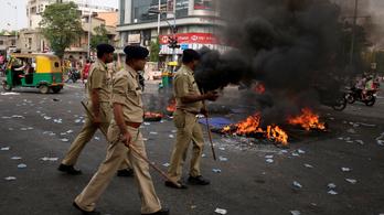Többen meghaltak a kasztrendszer elleni tüntetésen