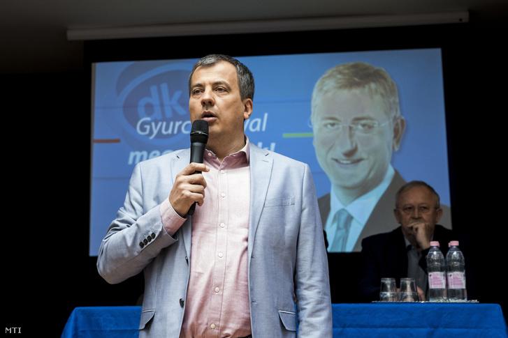 Oláh Lajos, a DK független országgyűlési képviselője Gyurcsány Ferenc a DK elnöke lakossági fórumán a Budapesten 2018. március 27-én.