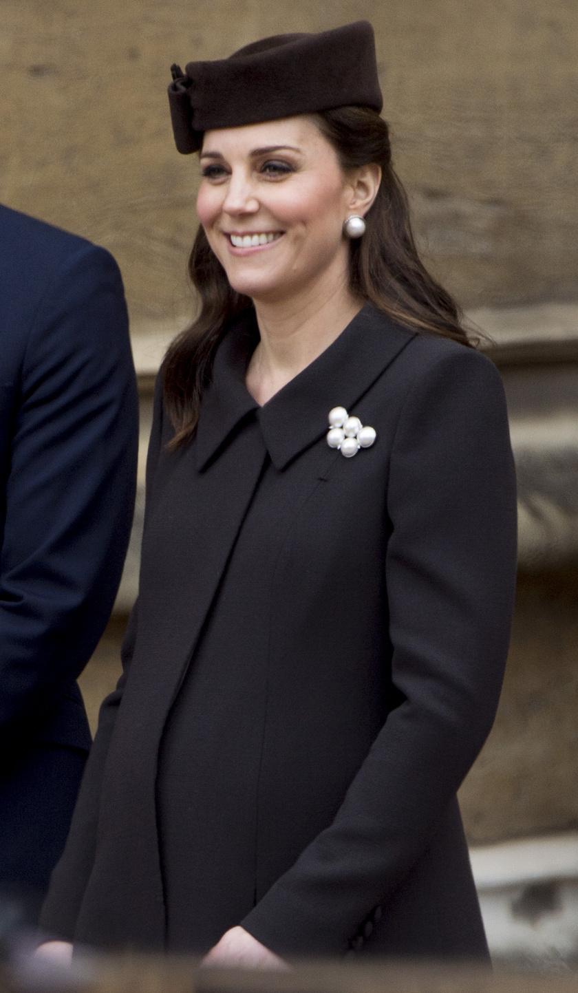 Katalin csak úgy ragyog: a hercegné gyönyörű kismama, aki hamarosan már a harmadik gyerekének ad életet.
