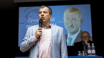 Bokros visszalépett a DK-s Oláh Lajos javára