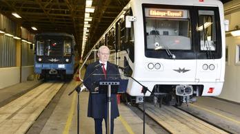 Keddtől már csak felújított metrókocsik járnak a 3-as vonalon