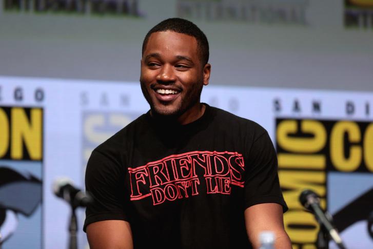 Ryan Coogler rendező reklámozza Fekete párduc című filmjét a 2017-es San Diego Comic Con-on