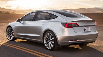 Júliusban jöhetnek az összkerekes Tesla Model 3-asok