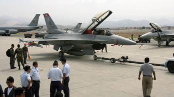 Az USA jóváhagyta, hogy a szlovákok F-16-osokat vegyenek tőlük