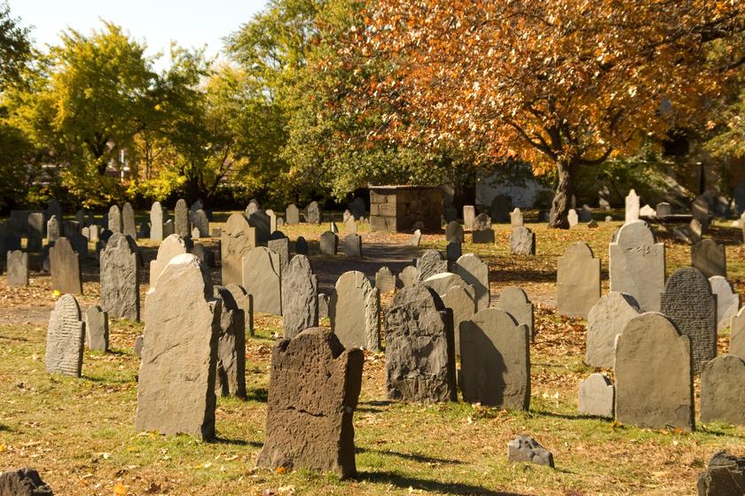 Egy salemi temető régi sírjai.