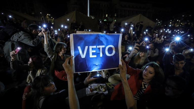 Lex CEU, civiltörvény, plakáttörvény: mi a közös bennük?