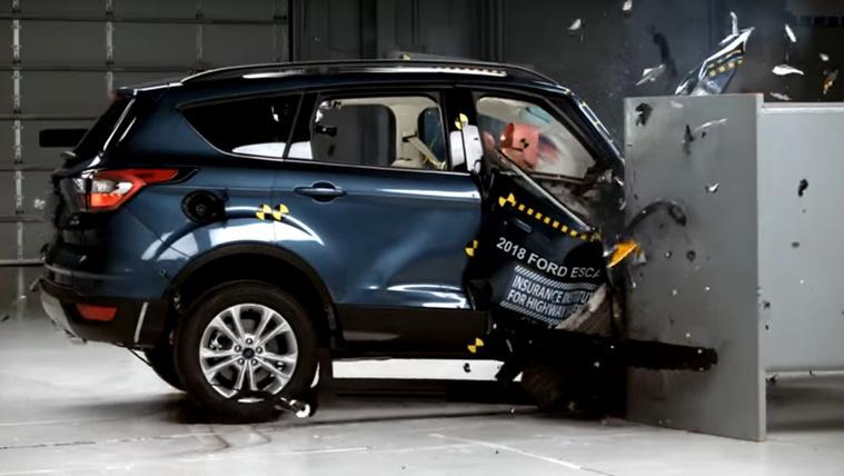 Fájdalmasan randán törik a Ford és a Mitsubishi terepjárója