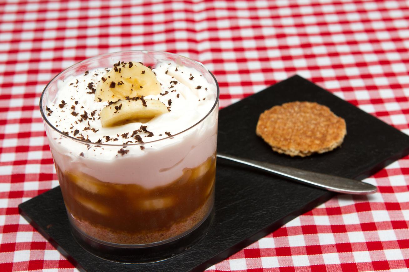 Banános, karamellás süti: a híres banoffee pohárkrém változata