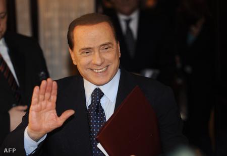 Silvio Berlusconi néhány nappal a beavatkozás előtt