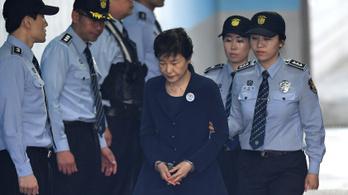 24 év börtönre ítélték korrupció miatt a volt dél-koreai elnököt