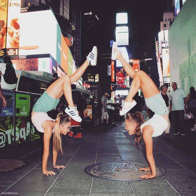 Elmondásuk szerint van köztük egy egészséges versengés, amivel folyamatosan inspirálják egymást és így tudják tökéletesíteni a műsorukat.