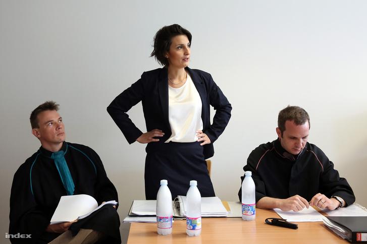 Szert Boglárka egy korábbi tárgyaláson