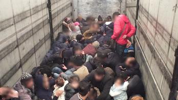 79 irakit és szírt találtak egy szerb kamionban a román határon