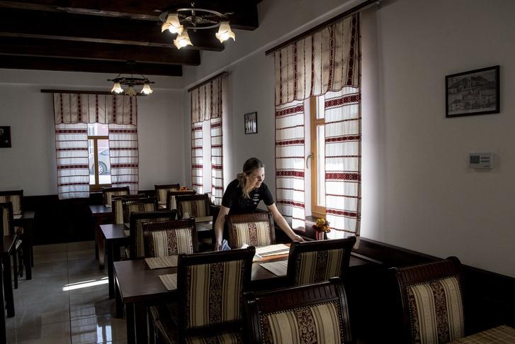 Ritának nem volt idegen a vendéglátás, öt évig volt felszolgáló egy ricsei kávézóban, ezért is esett rá a választás, amikor elindult a csárda.